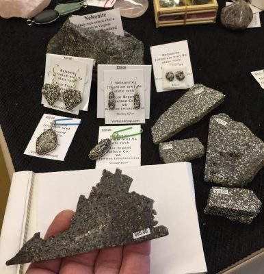 Nelsonite Rock_Jewelry_card holder_rough-01